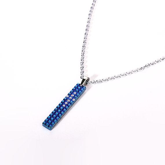 抗過敏項鍊|鑲鑽十字架 湛藍巧克力方格